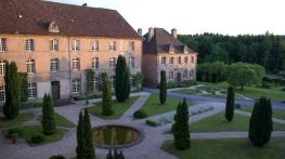 Abbaye d'Autrey grande cour